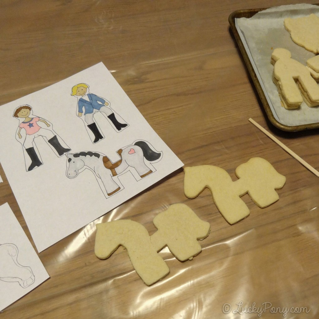 decorating horse sugar cookies