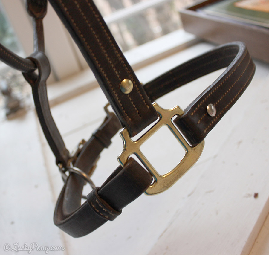 How to fix a horse halter with a broken sqare on the noseband.